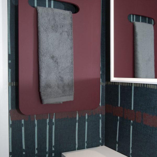 ComfortCalor_Radiateur sèche-serviettes Radiavetro Guest. Verre dans 100 coloris