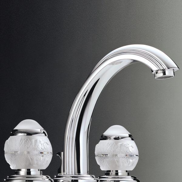 THG_mélangeur lavabo bec Cascade Panthere-Lalique