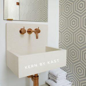 Kast_Vasque murale en béton coloré_Pitch.B2_Mineral_Square cropKern A1_White